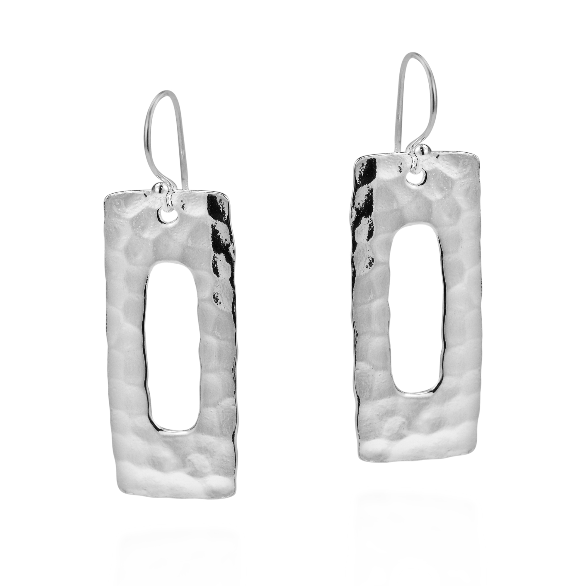 Crafted With Sterling Silver By Kung From Thailand These Earring Gives Your Outfit A Unique Look