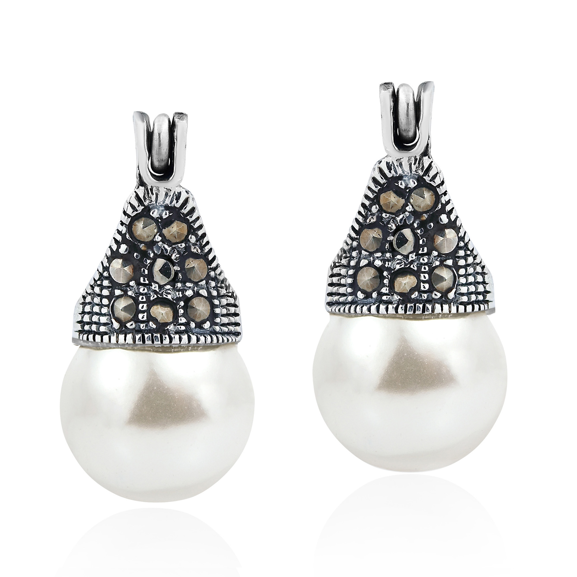 These Beautiful Dangle Earrings Will Make A Stylish Addition To Any Wardrobe This Unique And Vintage Design Features Colored Faux Pearl Depending On